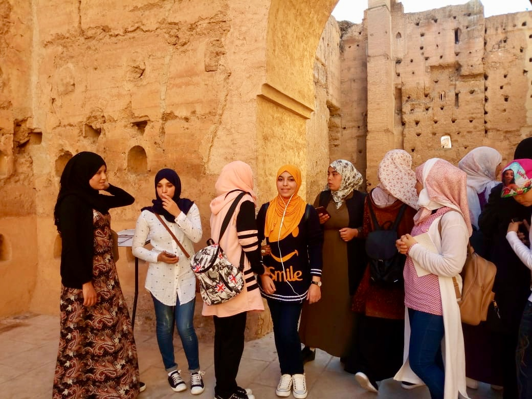Art critics and tour guides